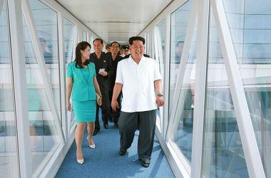 Ким Чен Ын вывел в свет жену, которую объявили расстрелянной