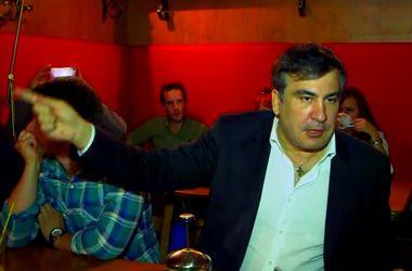 """Саакашвили посетил взорванный ресторан: """"Милицию, которая разбежалась, нужно менять"""""""