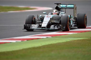 Льюис Хэмилтон выиграл третью практику Гран-при Великобритании