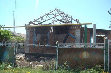 Широкино превратилось в руины: жилые дома разрушены, повсюду неразорвавшиеся мины