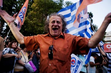 В Греции противники реформ уже начали празднование