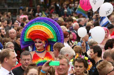 В Кельне состоялся один из крупнейших в мире гей-парадов