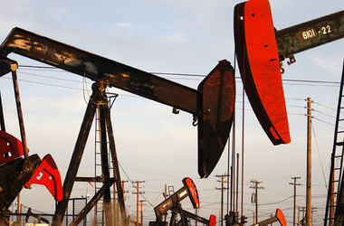 Цены на нефть рухнули ниже $60