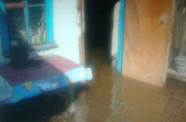 Херсонскую область затопило: под воду ушли улицы, дома и огороды