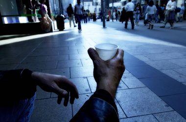 В Украине до конца года бедным станет каждый третий