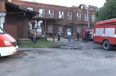 В Хмельницком горело столетнее здание кондитерской фабрики