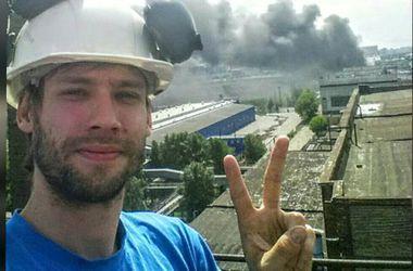 Жители Москвы наводнили социальные сети фотографиями и видео пожара на заводе ЗИЛ