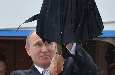Путин решил заняться йогой