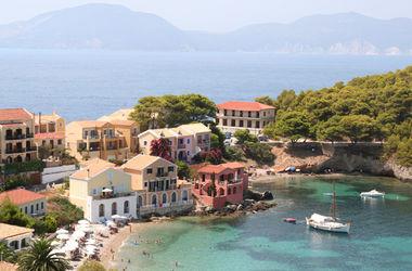 Богачи из России скупают недвижимость в Греции