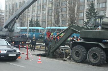 На Соломенке в Киеве реконструируют аварийный канализационный коллектор