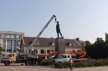 Артемовск остался без памятника Артему