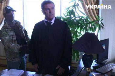 Судью Чернушенко, который находится в розыске, отстранили от должности