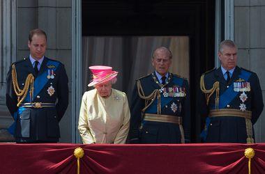 Муж королевы Елизаветы II оскандалился