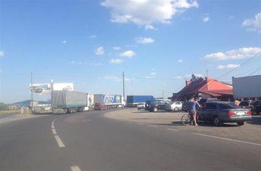 Движение на перекрытой трассе Киев-Чоп возобновляется