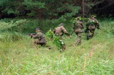 Украинских военных атакуют диверсанты - ИС