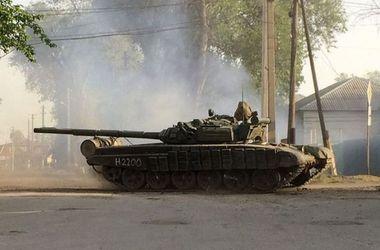 """Боевики обстреливают украинские позиции из танков и """"Градов"""""""