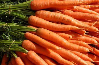 Ученые назвали овощи, которые препятствуют старению кожи