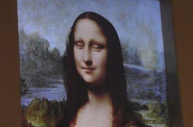 Инженеры заставили Мону Лизу подмигивать посетителям выставки