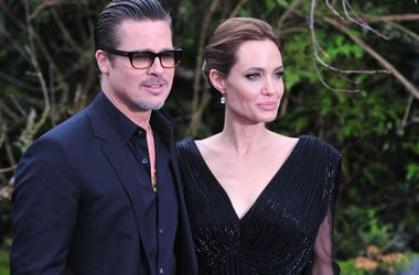 Анджелина Джоли и Брэд Питт кормят детей фаст-фудом