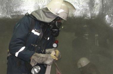 Пожарные спасли двух пьяных киевлян из горящей квартиры