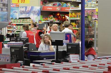 """Украинцы начнут делать покупки, когда почувствуют """"твердое дно""""- эксперт"""