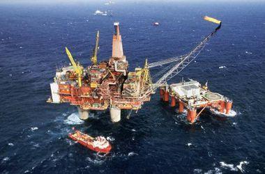 Цены на нефть падают из-за курса доллара и Ирана