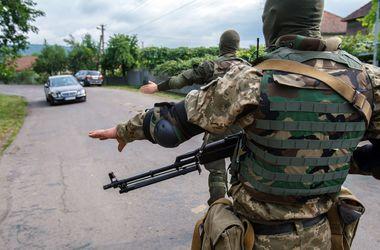 Отголоски конфликта в Мукачево: трасса открыта, но возле сел осталась техника