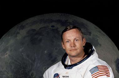 В США собирают деньги на лунный скафандр Армстронга