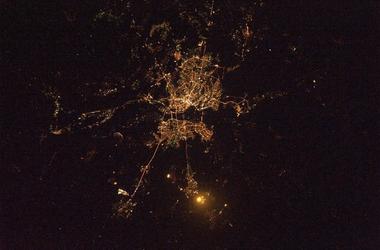 Как выглядит ночной Киев из космоса