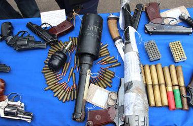 Под Киевом поймали торговцев патронами и гранатами