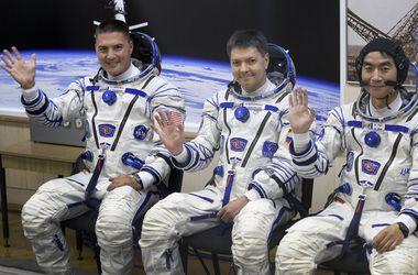 """Космический корабль """"Союз"""" с отказавшей батареей пристыковался к МКС"""