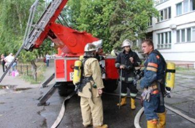 В Киеве из-за пожара эвакуировали 10 жильцов дома