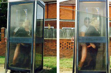 Секс в телефонной будке