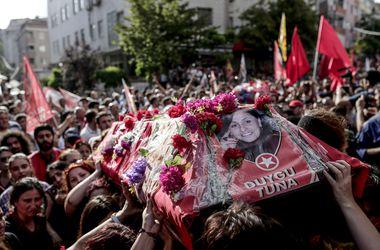 Итоги недели в мире: бунты в Греции и Турции