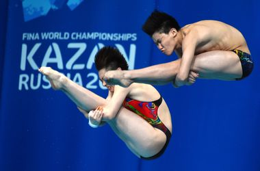 Китайцы стали первыми чемпионами мира по смешанным синхронным прыжкам в воду