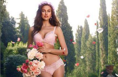 Ирина Шейк снялась в рекламе сексуального нижнего белья