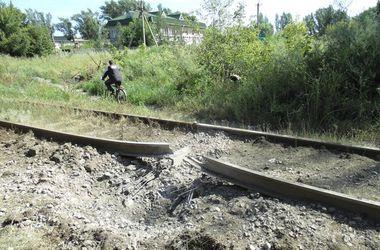 Боевики уничтожают железную дорогу в Авдеевке