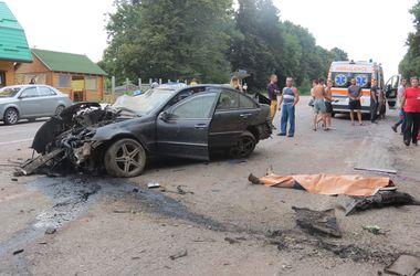 Смертельное ДТП на Прикарпатье: Mercedes на скорости влетел в дерево