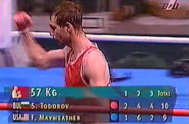 Последний боксер, побеждавший Мейвезера, вернулся на ринг после 12-летнего перерыва
