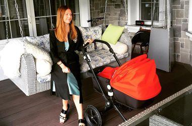 Наталья Подольская показала, что умеет делать ее 1,5-месячный сын