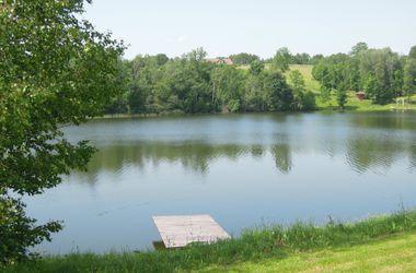 Во Львовской области ребенок утонул в частном озере