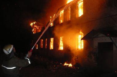 В Херсонской области молния подожгла два дома
