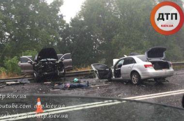 В Киеве во время дождя произошла смертельная авария