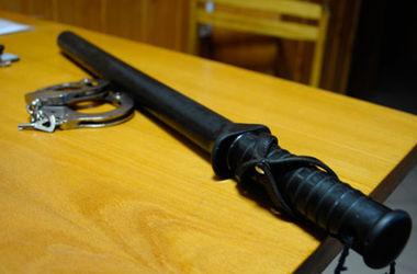 """В Днепропетровской области милиционеры пытали подростка и """"выбивали"""" признание"""