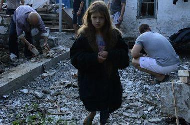 Самые резонансные события дня в Донбассе: сжигание украинского флага и идущие на прорыв боевики