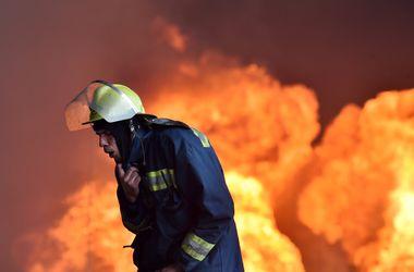 Огонь выжег два этажа и технику в харьковском институте