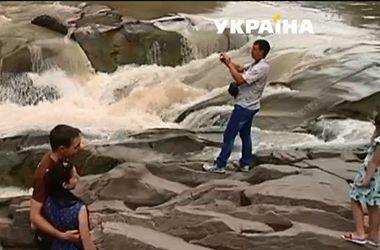 Смертельное селфи: парень сорвался и утонул в водопаде