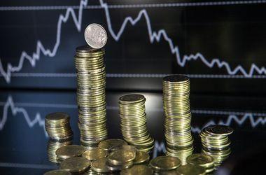 Бурный рост курса доллара в России притормозил