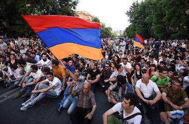 Протесты затухли: в Армении все же повышаются тарифы на электроэнергию