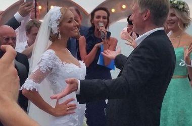 В сети появилось первое видео со свадьбы Пескова и Навки